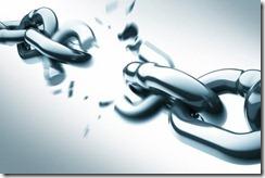 cadenas-rotas_ws71444532